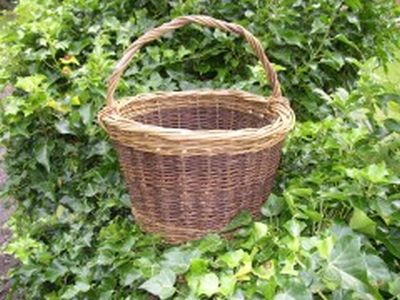 Willow basket by Beryl Smith